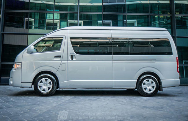 Hire The Best & Most Reliable Corporate Limousine Service Online